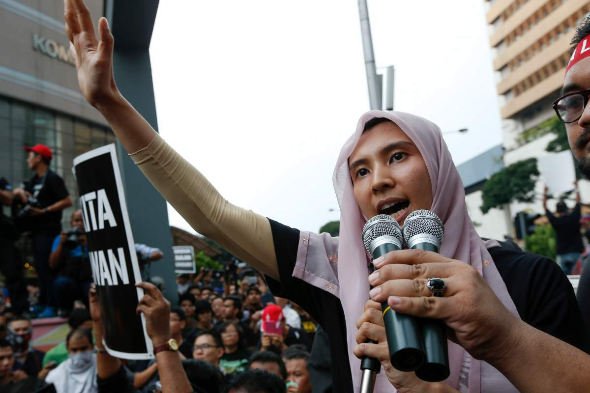 Nurul Izzah Anwa speaks to protesters as they gather to demand the freedom of her father Anwar Ibrahim in Kuala Lumpur on March 7, 2015. Picture by Vincent Thian | AP