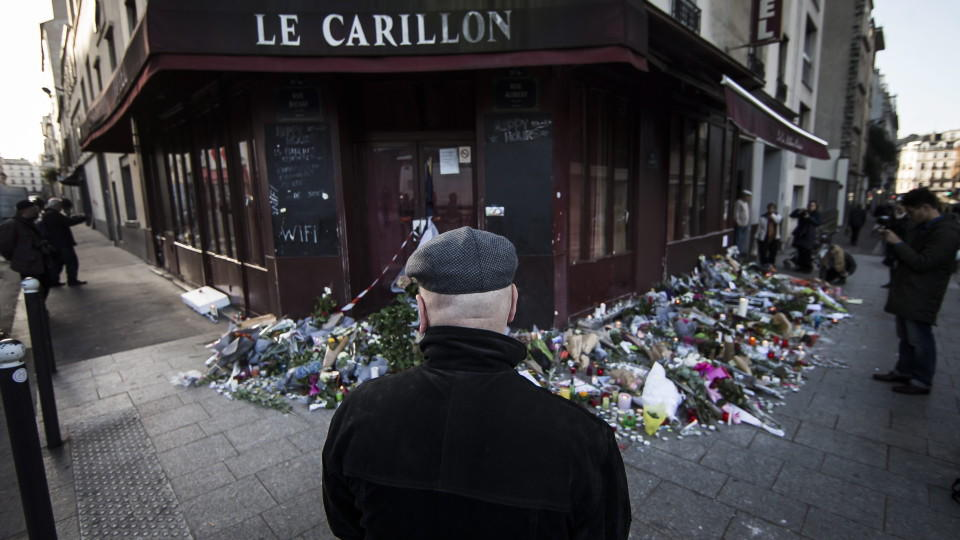 A memorial outside the Carillon restaurant in Paris on Sunday, one of the sites of the attacks on Friday. Picture by Ian Langsdon | European Pressphoto Agency