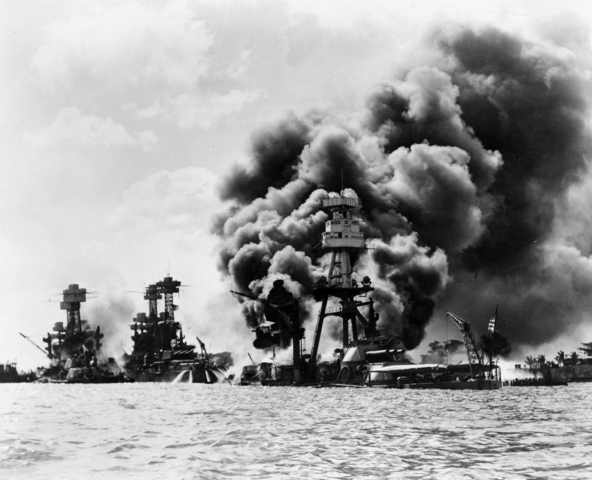 U.S. Navy battleships at Pearl Harbor on 7 December 1941 | By USN [Public domain], via Wikimedia Commons